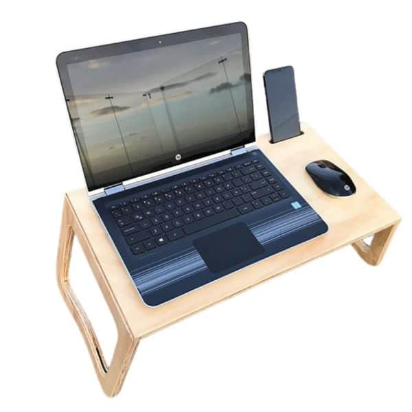 Mesa para cama computador portátil. Diseño plegable en madera. Marca: Dela Design