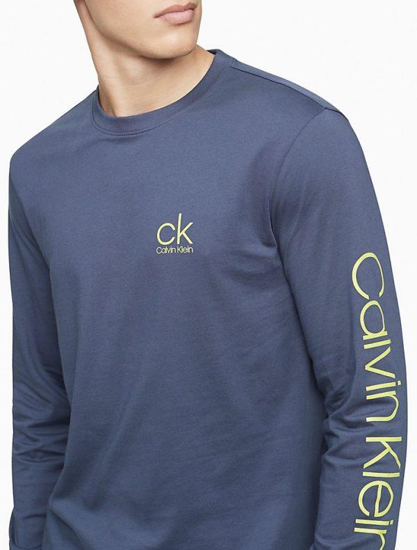 Buzo Calvin Klein Active Logo Graphic Long Sleeve Tee India Ink | Original
